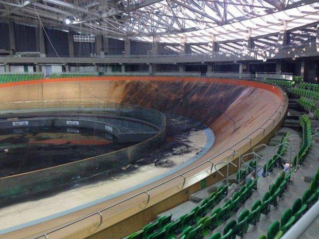Otrasné zábery z Ria rok po olympiáde: O štadión za 500 miliónov sa nikto nestará, velodróm vyhorel