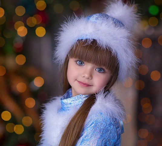 Dieťa, ktoré vyzerá ako zo snov: 5-ročná Anastasiya konkuruje porcelánovej bábike