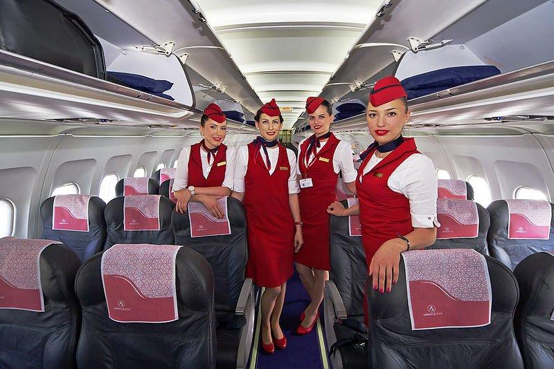 Letušky prehovorili o porne, dotykoch aj bosých nohách: Týchto 8 vecí na palube jednoducho nerobte!