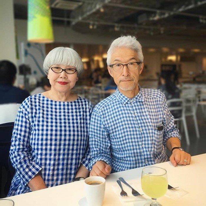 Chceli by ste, aby takto vyzerali vaši rodičia? Na internete zahviezdil japonský párik, ktorý je už 37 rokov parádne zladený
