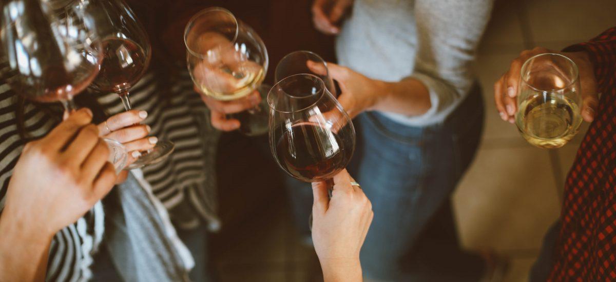 Prípitok s vínom