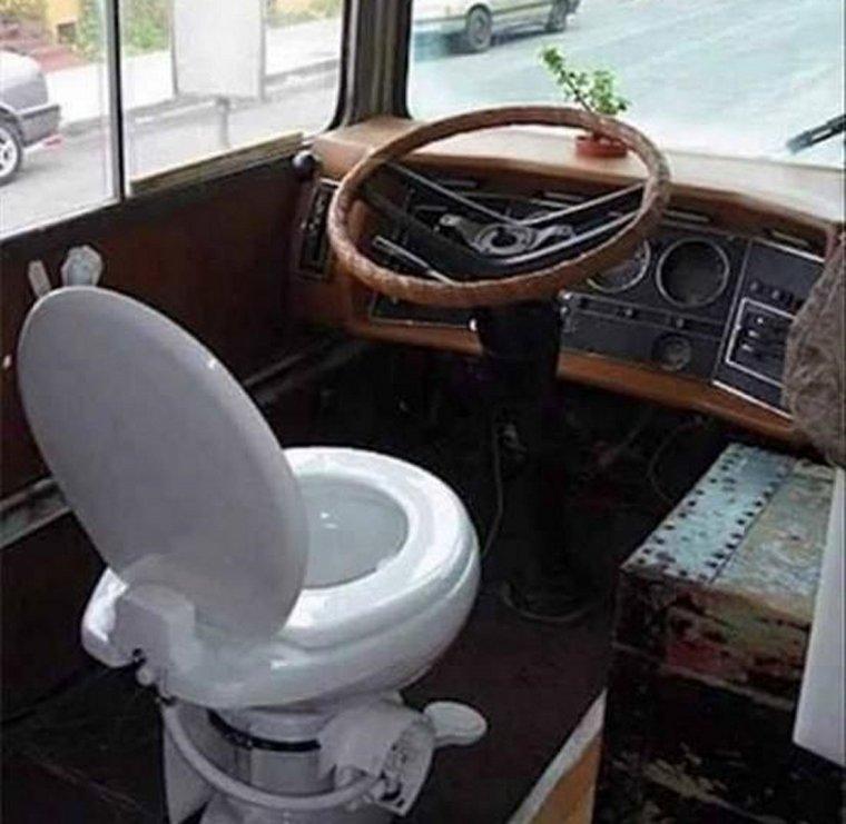 Večné problémy so zastávkami na toaletu vyriešené!