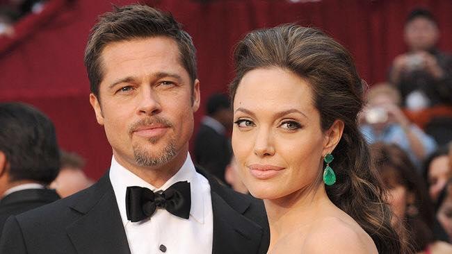 Celebrity na fotografiách z mladosti: Angelia Jolie starne do krásy, Brada Pitta by ste nespoznali!