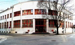 Hlavná pošta v Piešťanoch
