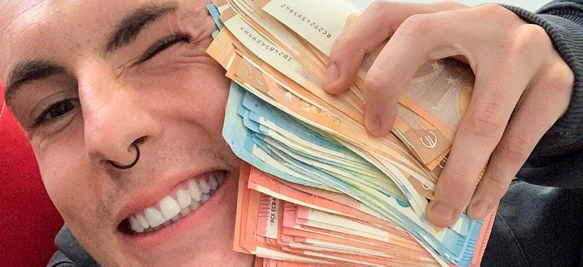 Expl0ited s hromadou peňazí