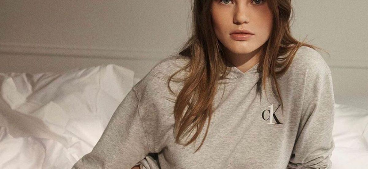 Modelka Myrthe Bolt v spodnom prádle