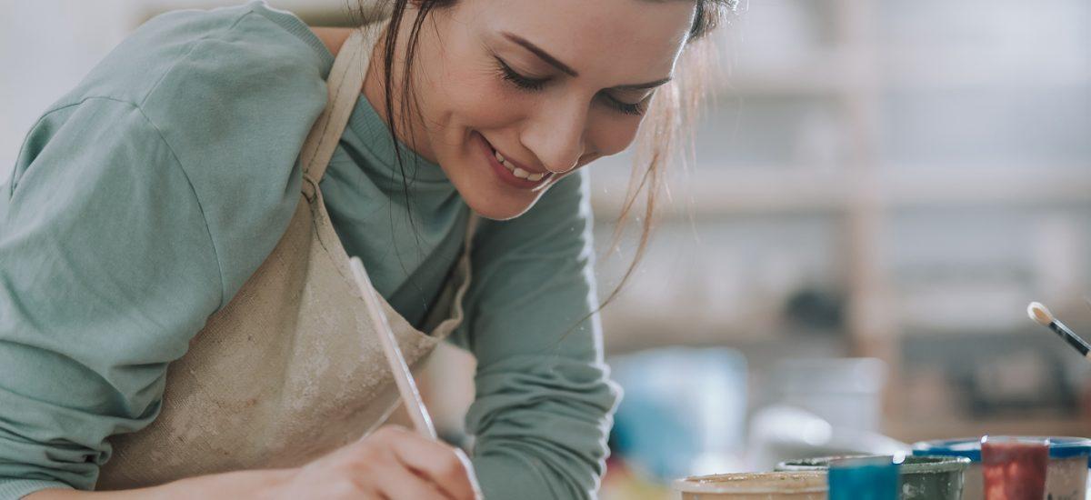 Žena a jej ručná výroba