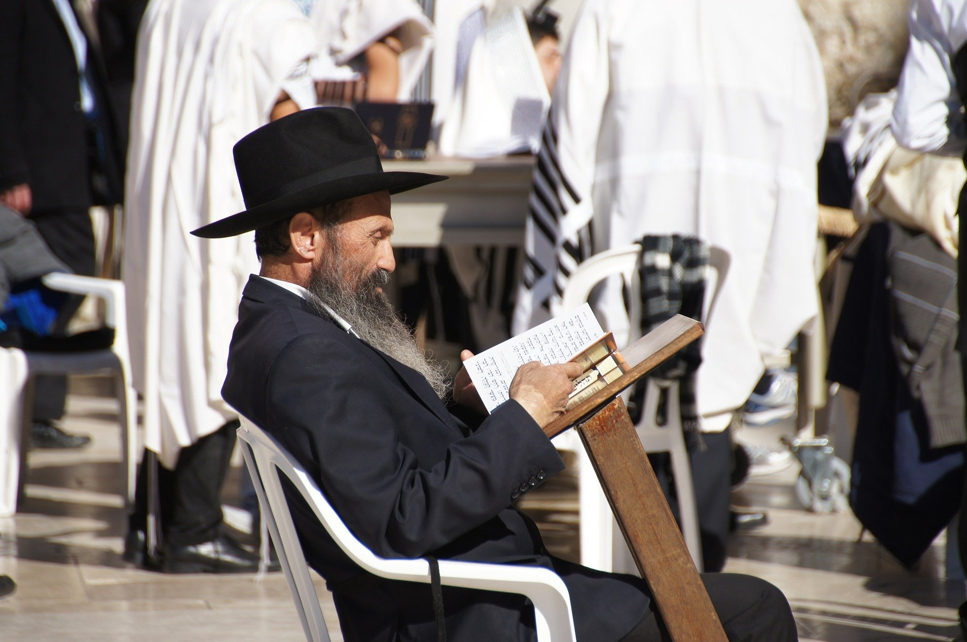 Žid číta Tóru