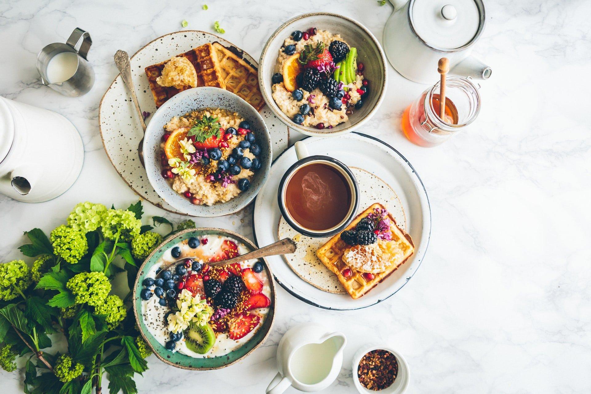 Jedlo na tanieroch