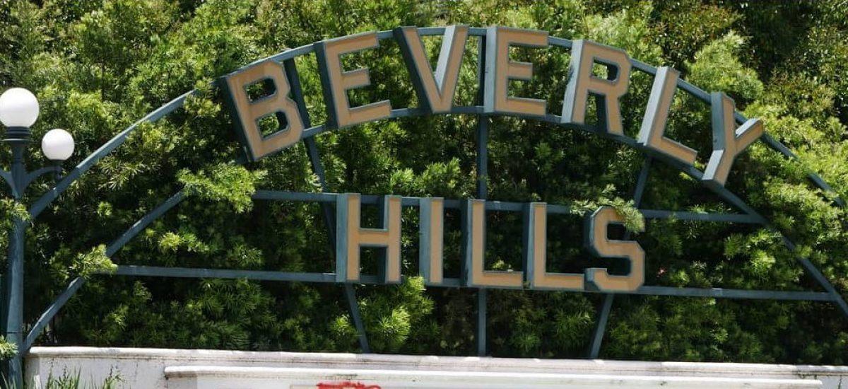 Nápis Beverly Hills dostan niekoľko nepríjemných nápisov