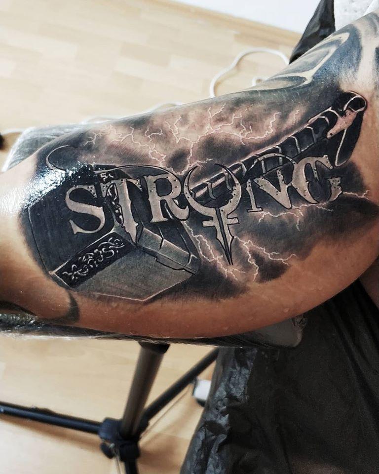 Tetovanie Thorovho kladiva