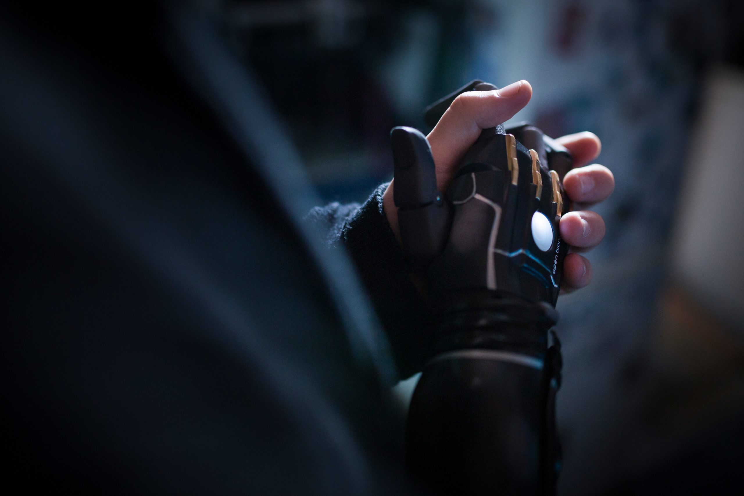 Daniel Melville a jeho bionická ruka