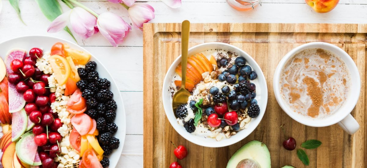 Ovocie a zelenina na tanieri