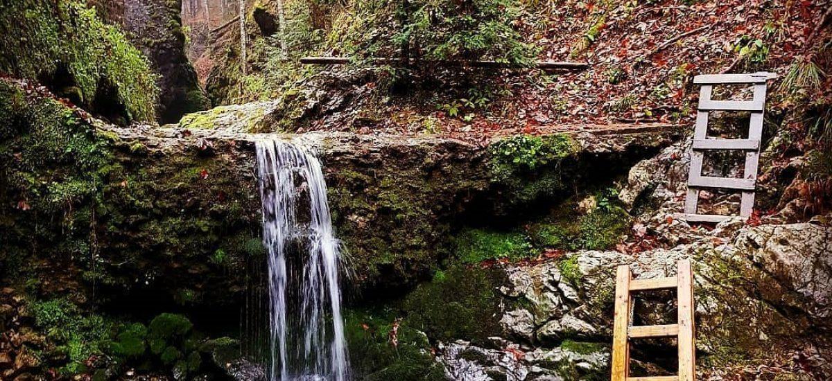 Vodopád a rebríky v Čertovej doline