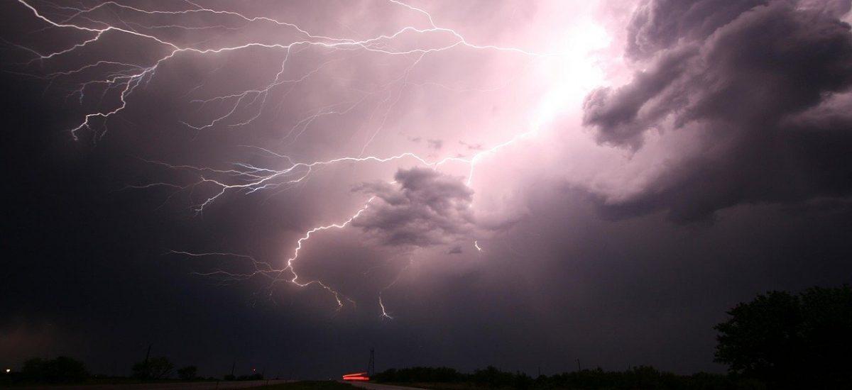 Obrovská letná búrka