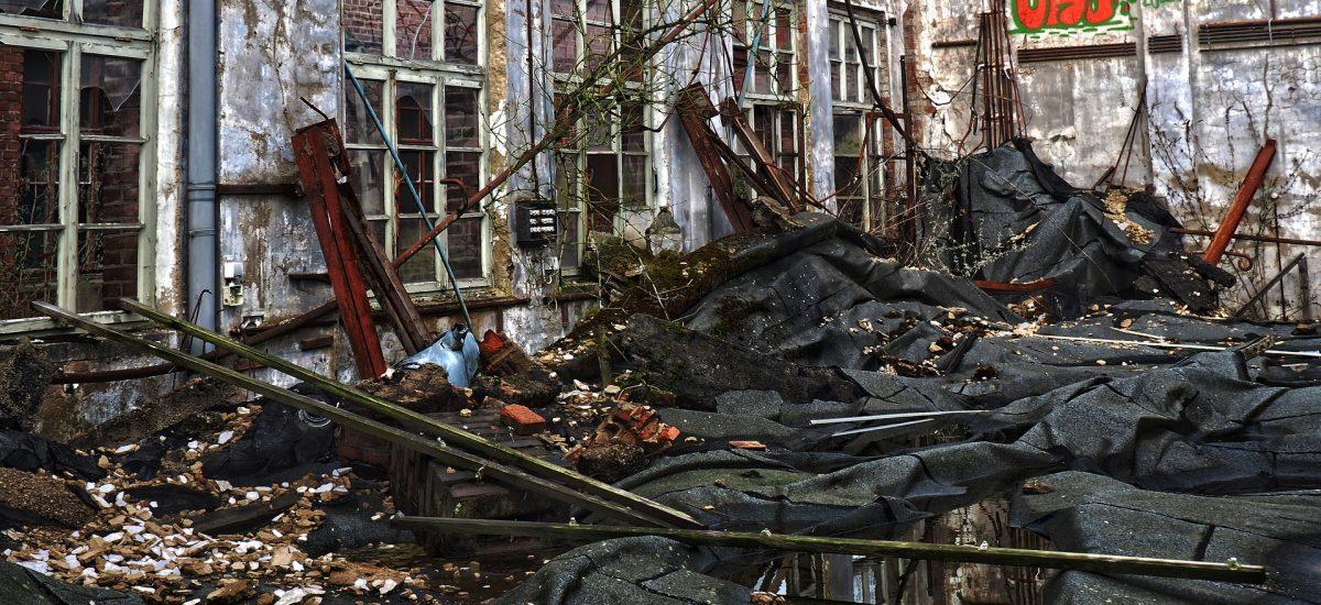 zrúcanina budovy