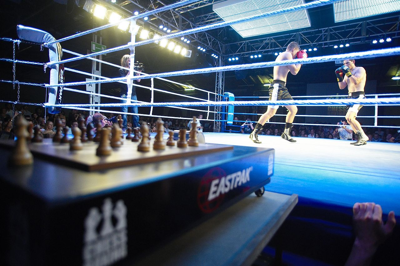 Muži v boxerskom ringu