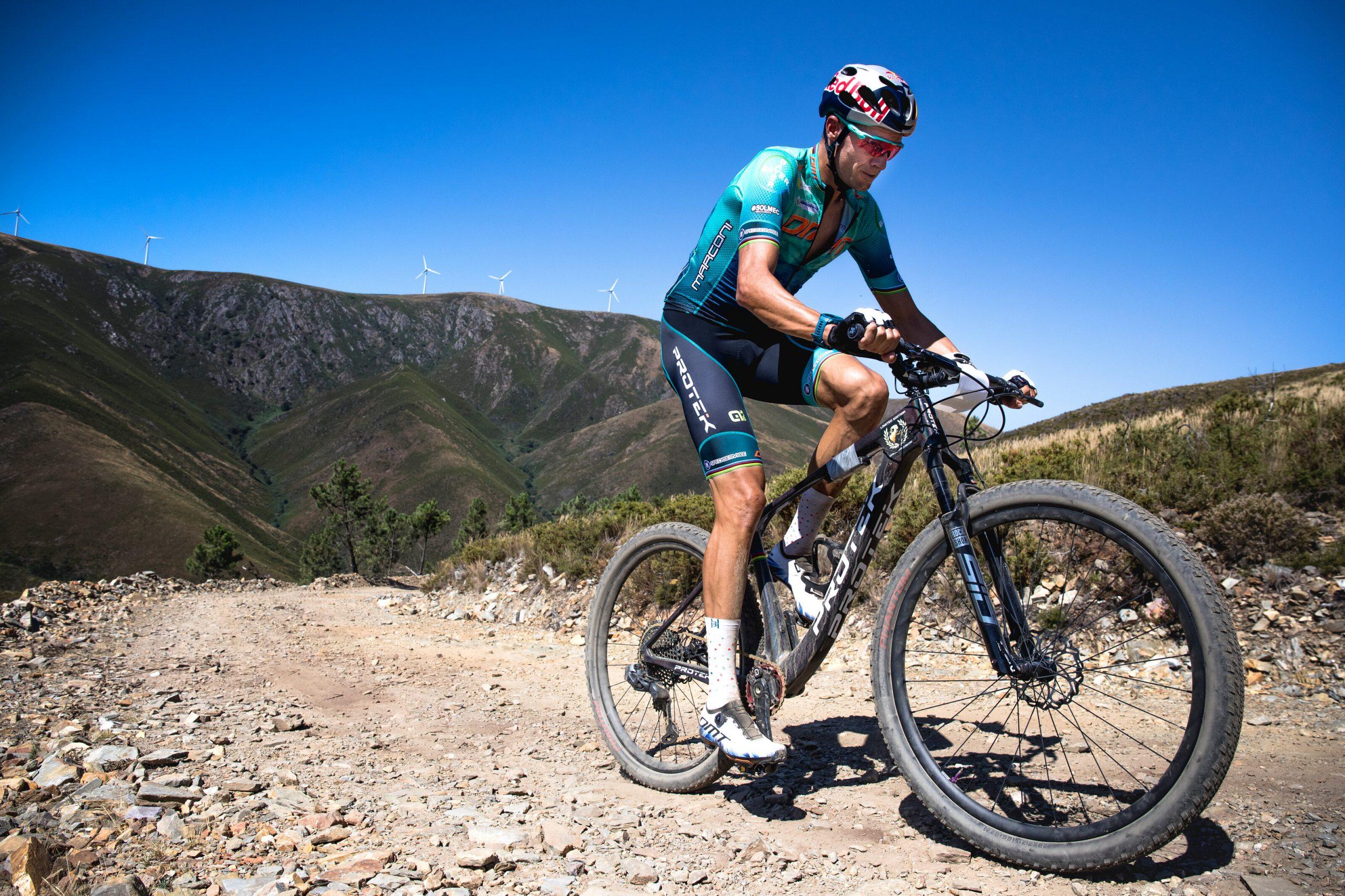 Tiago Ferreira pri rekordnom výstupe