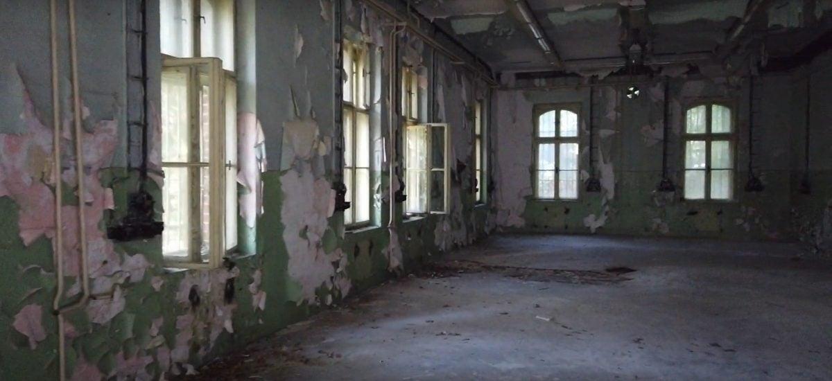 Kasárne v Nitre, ktoré použili tvorcovia filmu Trhlina na nakrútenie scén psychiatrie