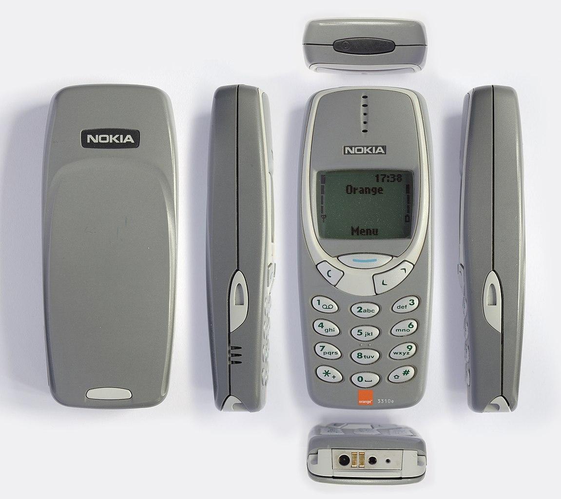 Nokia 3310 z každého uhla