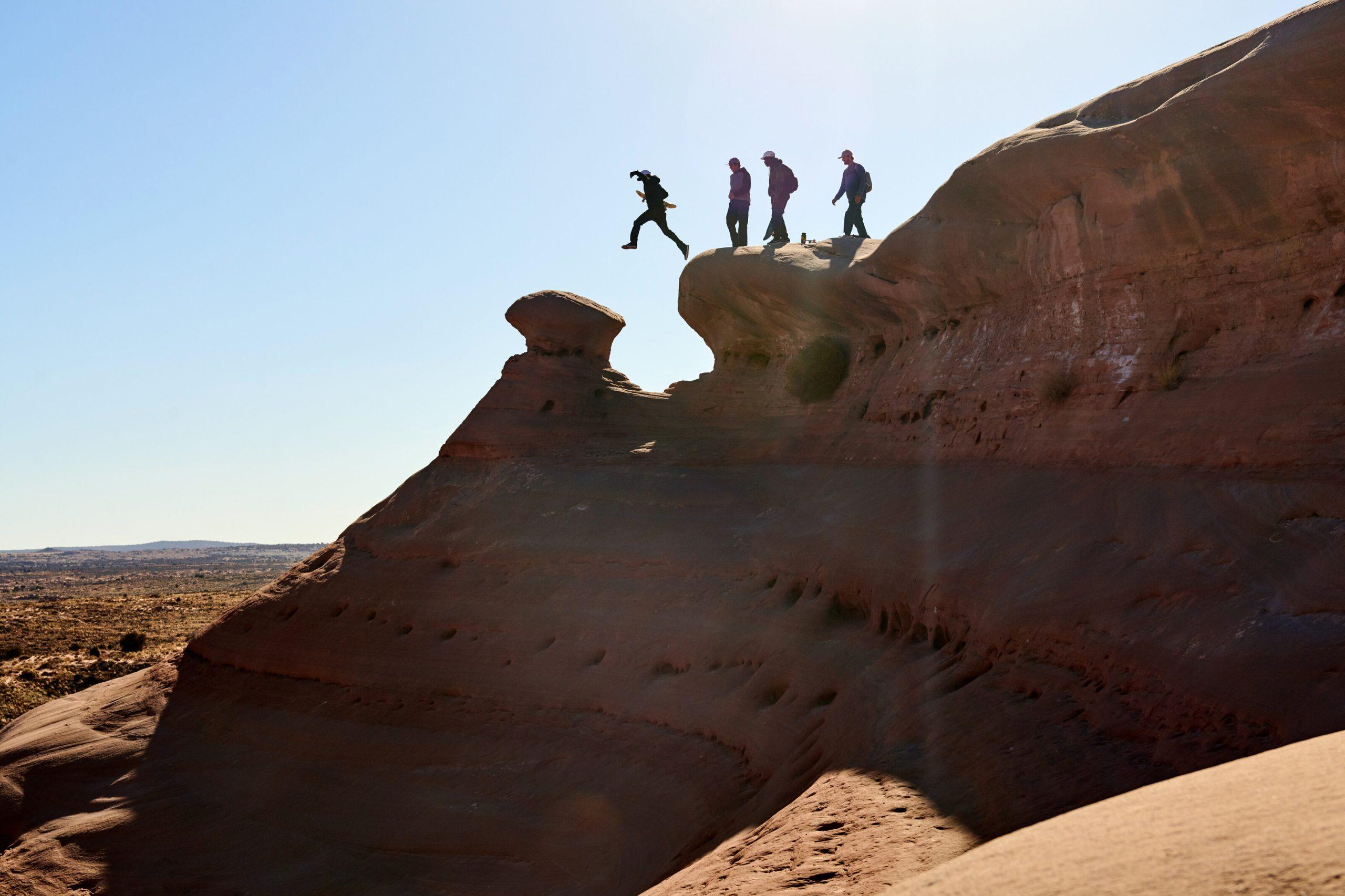 Ryan Sheckler pri preskoku vysokých kameňov