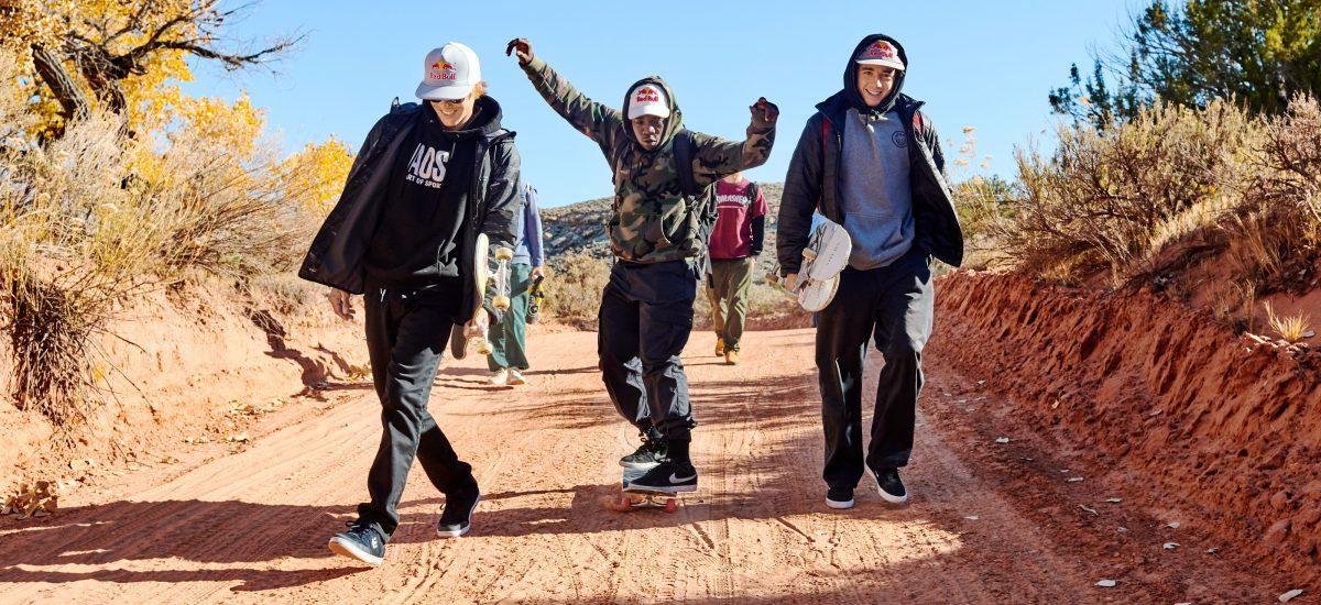 Ryan Sheckler, Zion Wright, and Alex Midler počas natáčania projektu