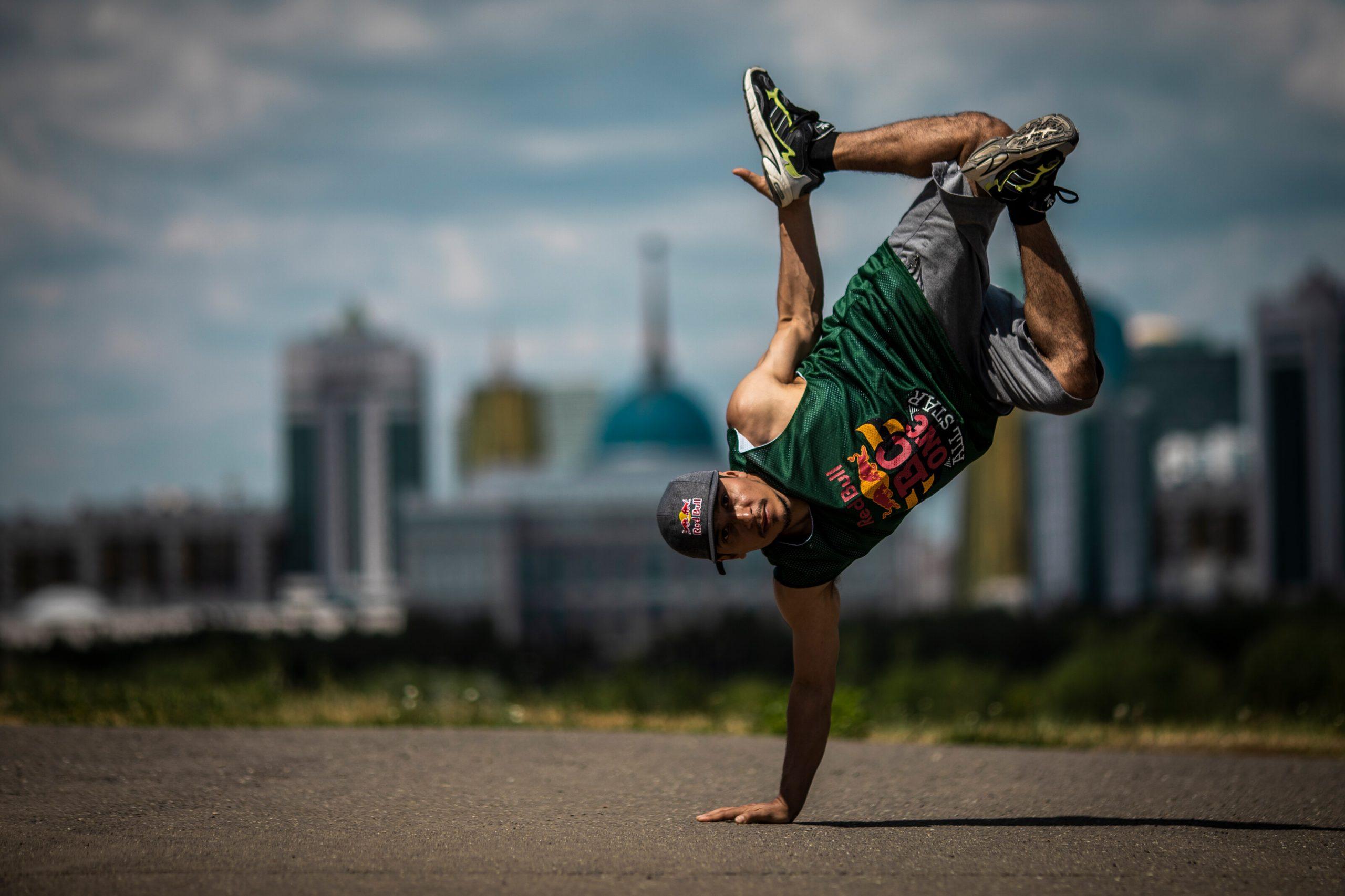 B-Boy Roxrite počas súťaže v Kazachstane
