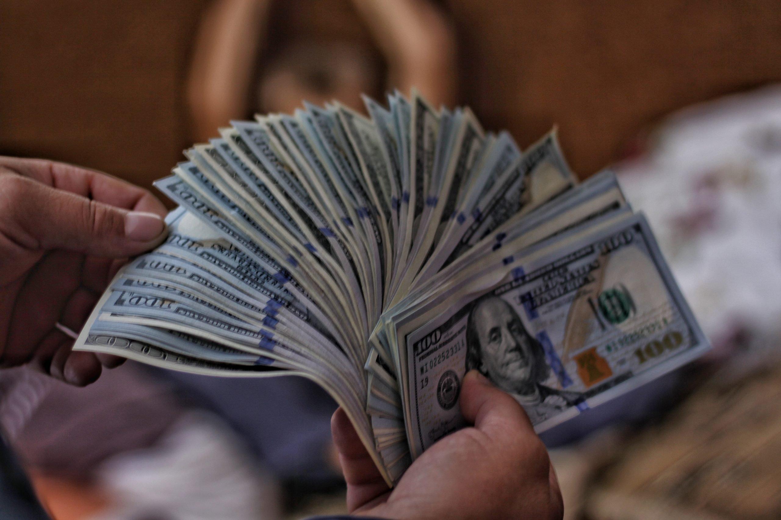 Sto dolárove bankovky