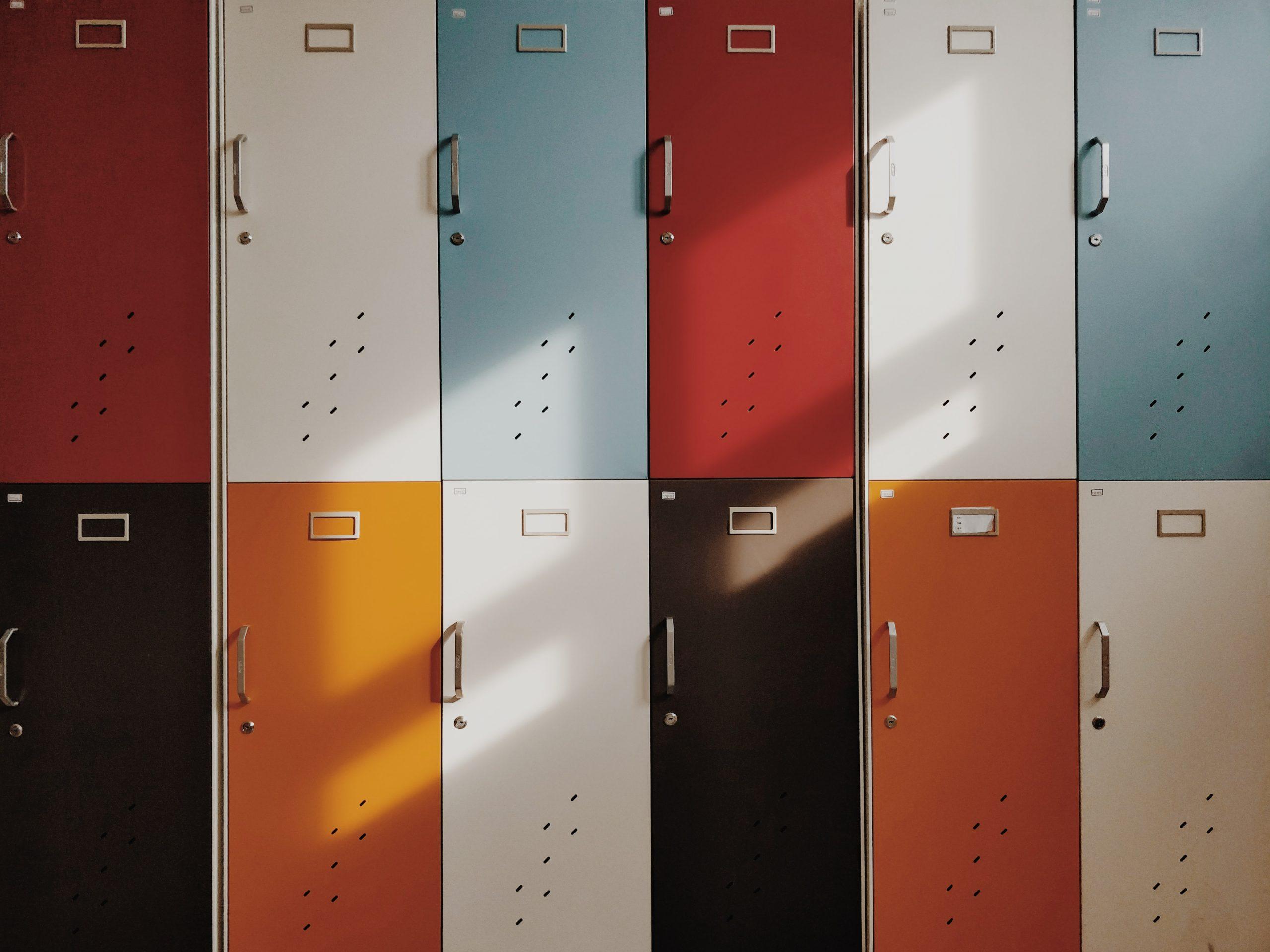 skrinky v škole
