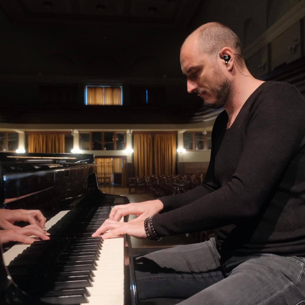 Klavirista Jozef Hollý