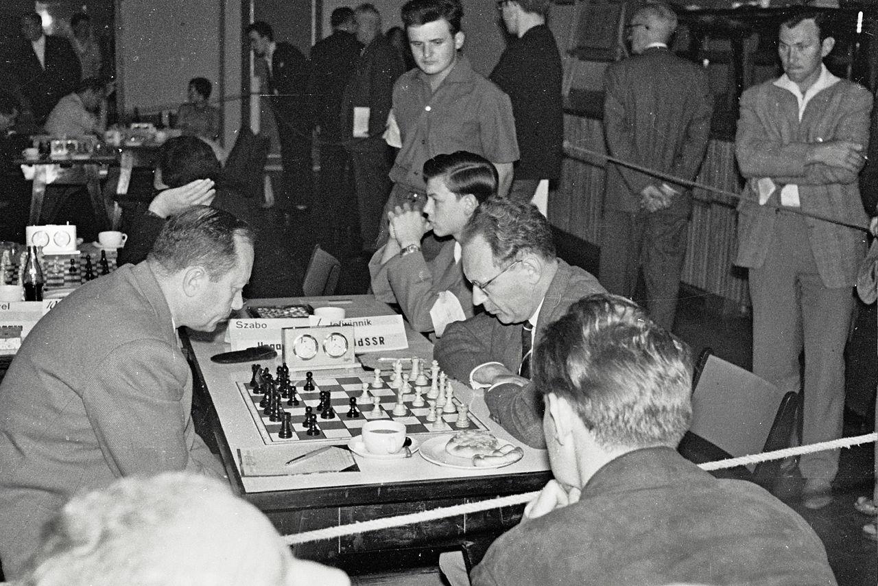 Mikhail Botvinik bol legendárnym hráčom