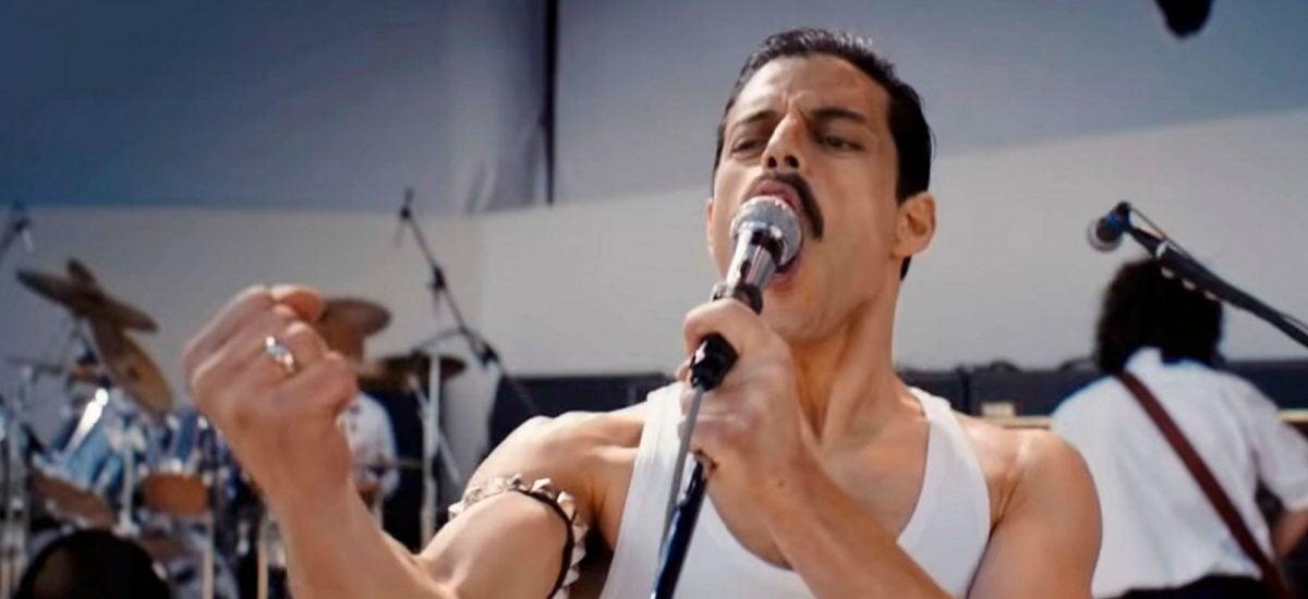Rami Malek vo filme Bohemian Rhapsody