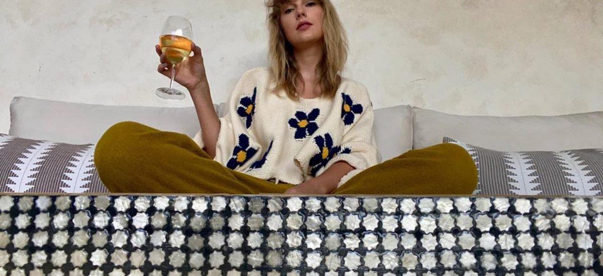 Taylor Swift je obľúbenou speváčkou.