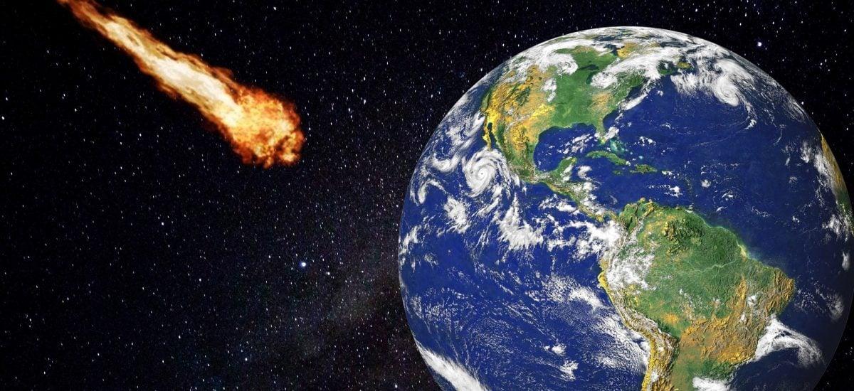 Asteroid mieri na planétu Zem