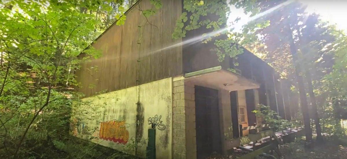 Opustené rekreačné stredisko je ukryté hlboko v lesoch nad Bratislavou