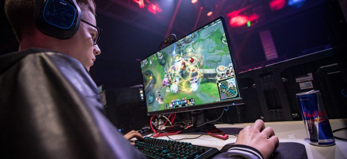 Turnaj Red Bull Ultimátny Hráč ide do finále, sledujte ho online