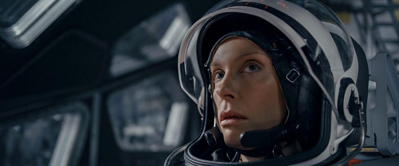 Toni Collette ako vedúca posádky smejurúca na Mars