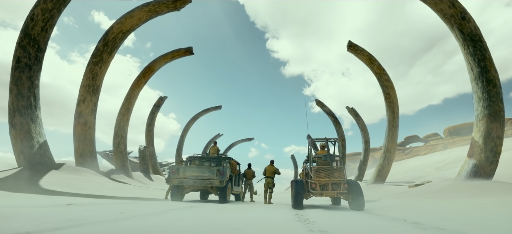Film sa vo väčšine stopáže odohráva v nezáživnej bielej púšti