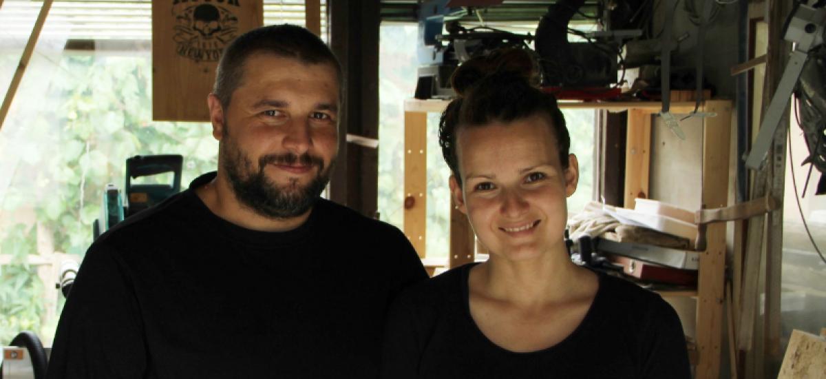 Zuzka a Václav vyrábajú čarovné predmety z dreva pod značkou Muránske