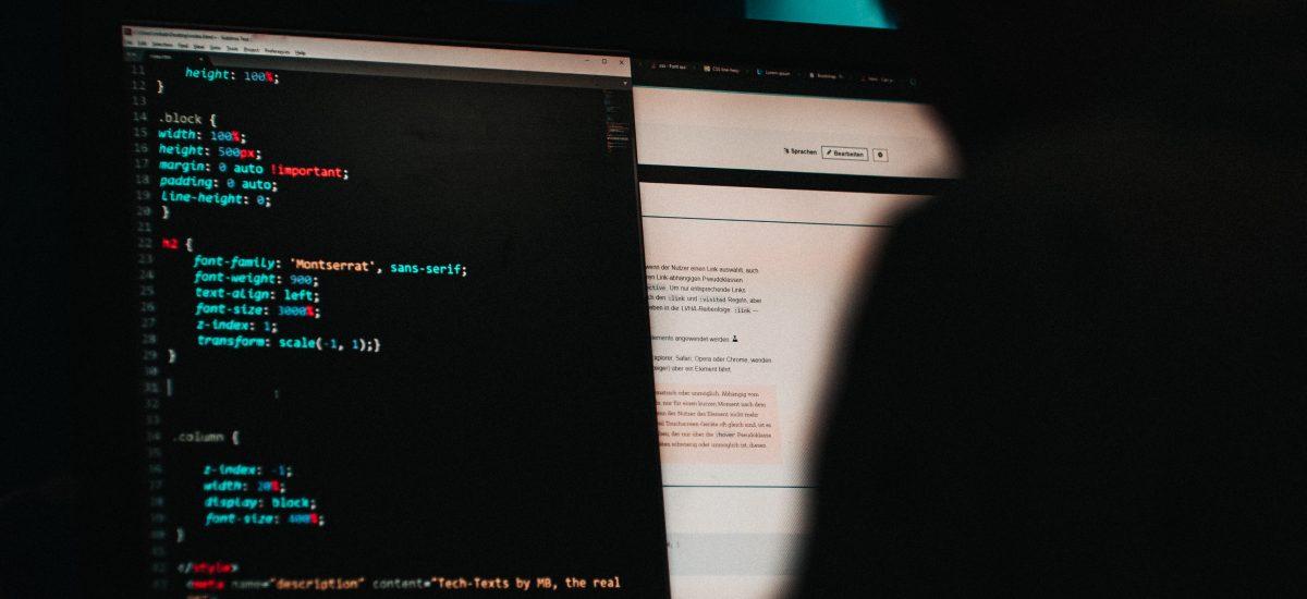 Hacker pri počítači