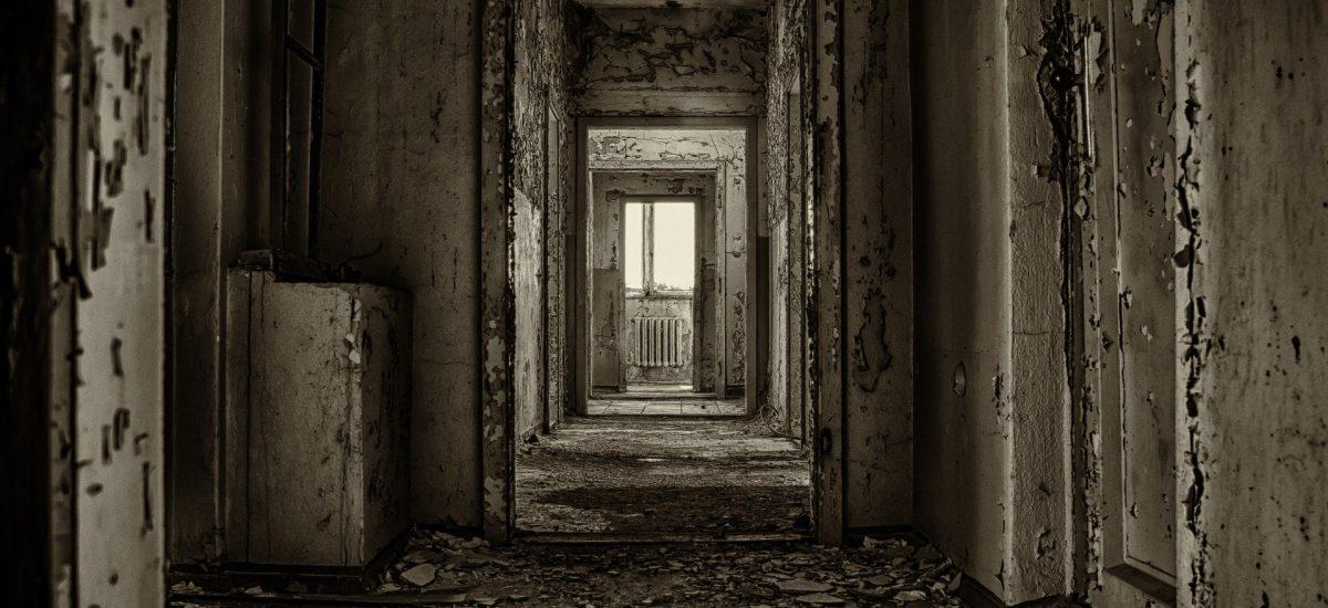 Opustený hotel na juhu Slovenska