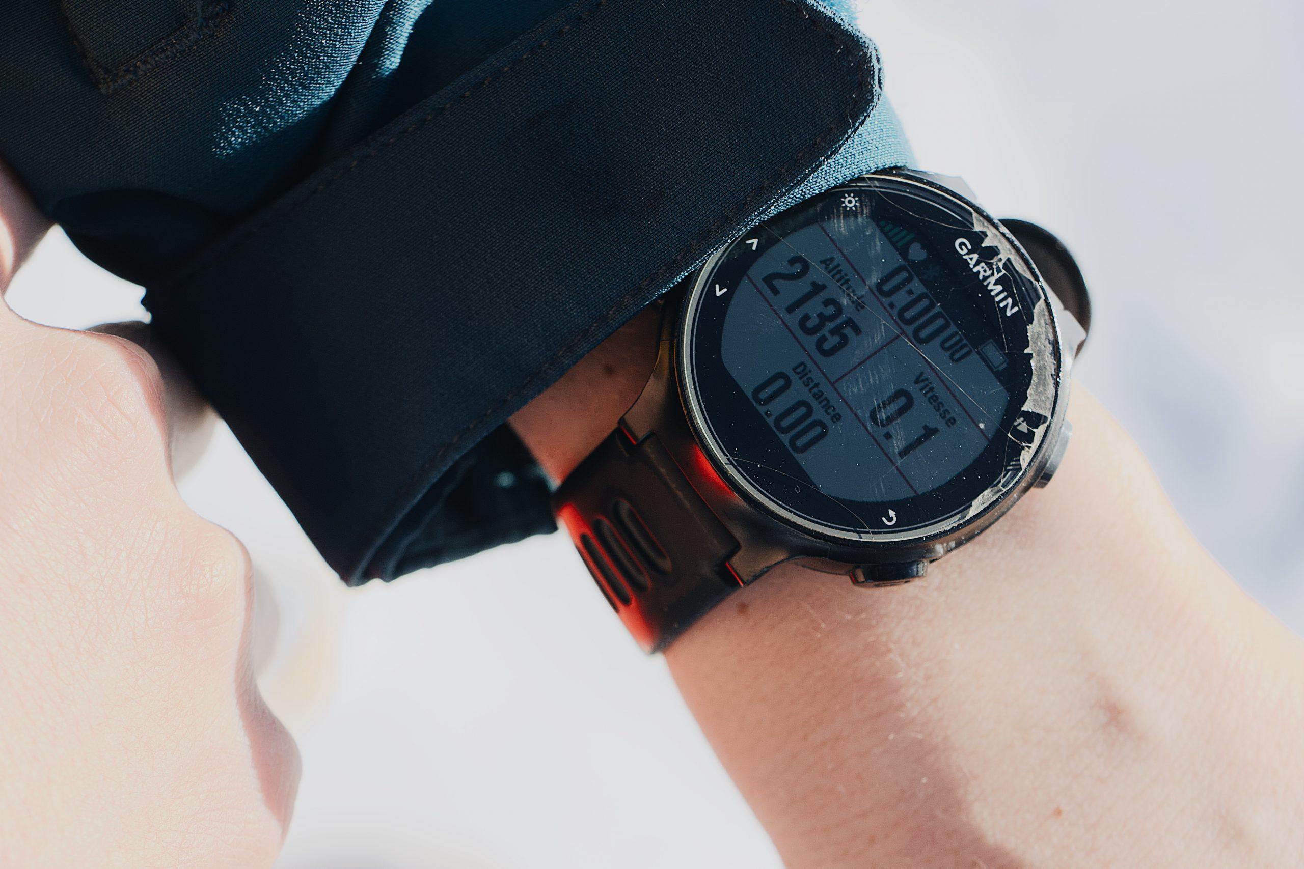 Garmin hodinky.